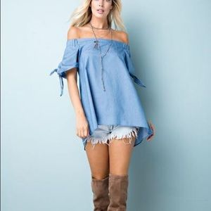Belle Âme Janice Boutique Tops - Off the Shoulder Chambray Tunic Top